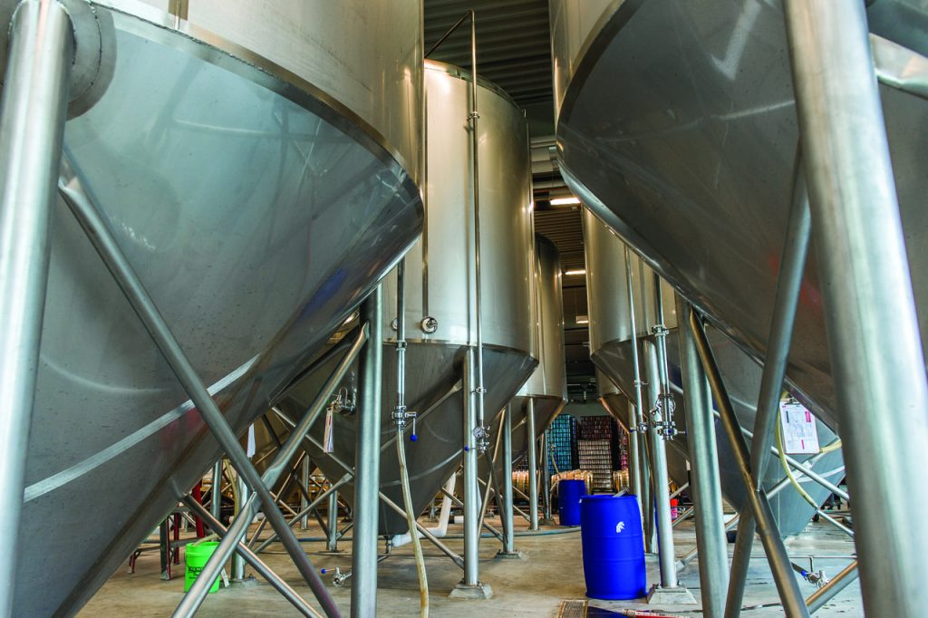 Craft brewery fermenters - Custom Metalcraft